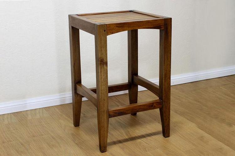 Bar stool minimalis dudukan slat kayu terbuat dari kayu jati perhutani