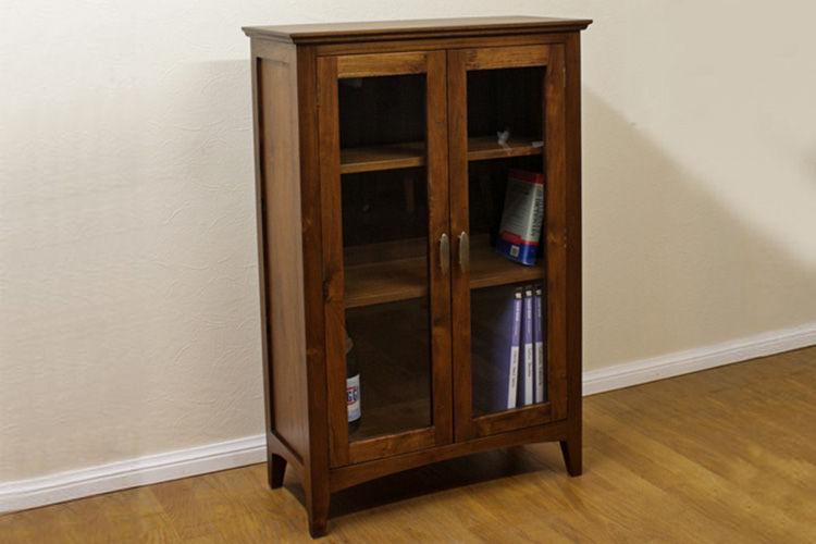 Kecil tapi menarik, lemari pajangan minimalis setinggi 1 meter terbuat dari kayu jati Perhutani